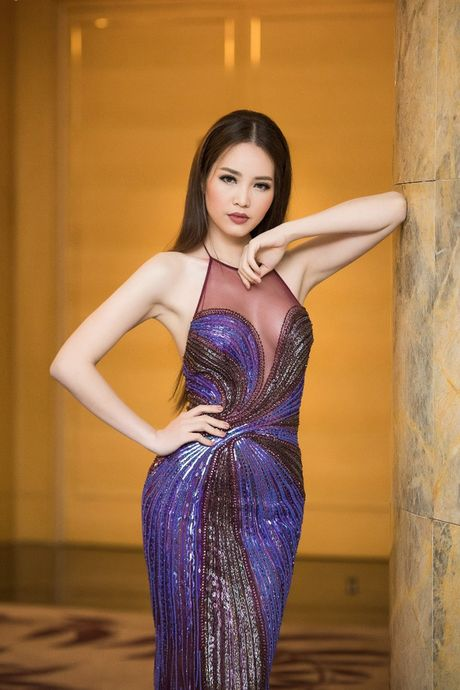 Hong Nhung, Le Quyen do sac Thuy Van, Dan Le voi vay ao goi cam - Anh 2