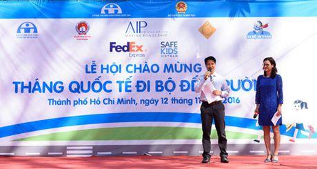 FedEx huong ung Thang di bo den truong 2016 - Anh 1