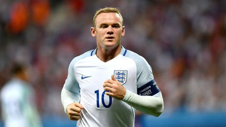 Vua len tuyen, Rooney lai rut lui do chan thuong - Anh 1