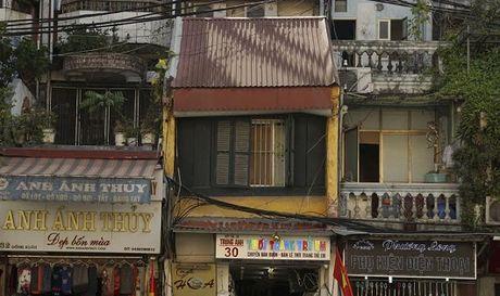 Hon pho co Ha Noi 'thoi thop' giua doi thuong - Anh 1