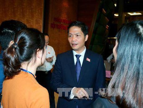 Bo truong Cong Thuong tra loi bam sat cac van de duoc quan tam - Anh 1