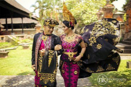 Trang phuc cuoi truyen thong khap the gioi - Anh 15