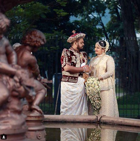 Trang phuc cuoi truyen thong khap the gioi - Anh 4