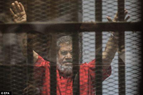 Ai Cap: Huy ban an tu hinh cuu Tong thong bi lat do Mohammed Morsi - Anh 1