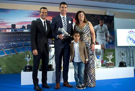 "Sieu co va goc khuat: Vi Ronaldo, Pogba can ""bo nuoi"" (P1) - Anh 3"