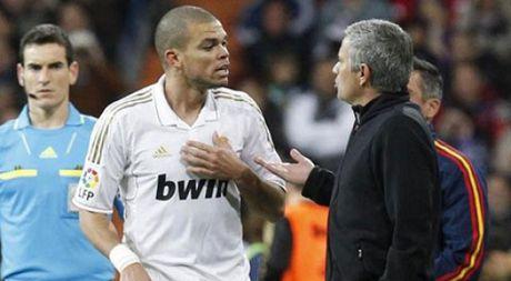 Jose Mourinho muon dua Pepe ve voi 'Quy do' - Anh 1
