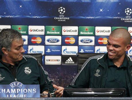 Jose Mourinho muon dua Pepe ve voi 'Quy do' - Anh 2