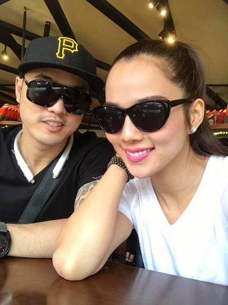 Con trai Ung Hoang Phuc dang yeu khi di ca phe voi bo me - Anh 9