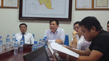 Bac Ninh: Hop bao vu be so sinh tu vong tren ban mo - Anh 1