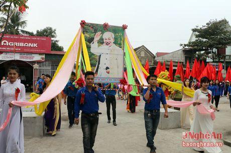 Truong ban Tuyen giao Tinh uy du Ngay hoi Dai doan ket tai Dien Chau - Anh 1