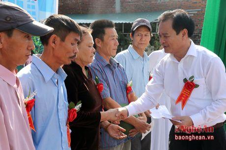 Truong ban Tuyen giao Tinh uy du Ngay hoi Dai doan ket tai Dien Chau - Anh 4
