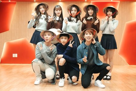 MONSTAR tang non la, hao hung day G-Friend noi tieng Viet - Anh 7