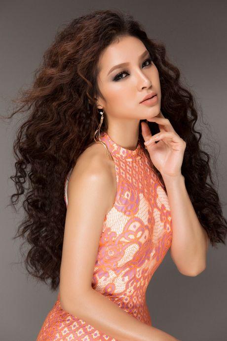Me man ngam duong cong sieu quyen ru cua Phuong Trinh Jolie - Anh 3