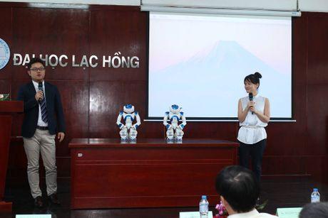 Truong dai hoc mua robot Nhat Ban de day sinh vien - Anh 2