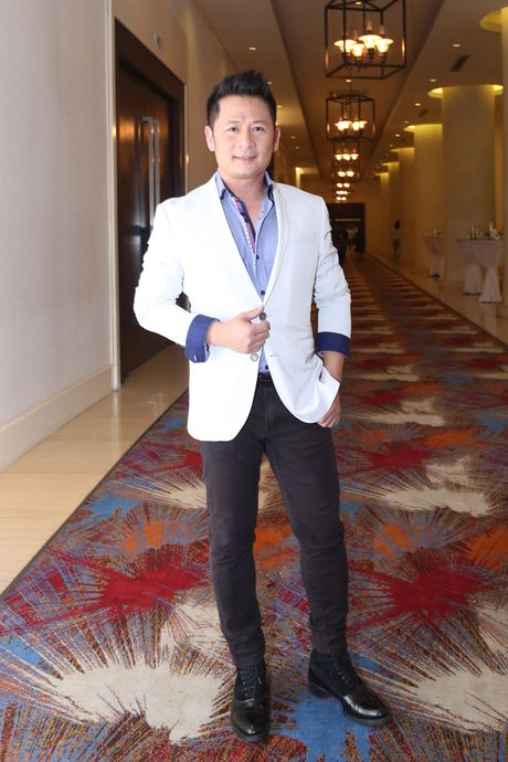 Giang Hong Ngoc xuc dong cam on Ho Ngoc Ha trong dem nhac rieng - Anh 7