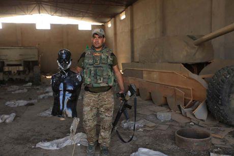 Vu khi nghi binh la thuong cua IS - Anh 1