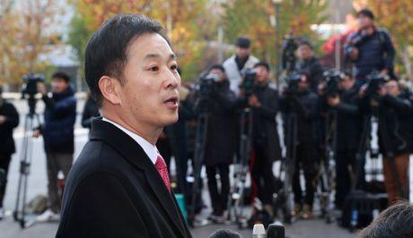 Tong thong Han Quoc thue luat su truoc khi bi tham van - Anh 2