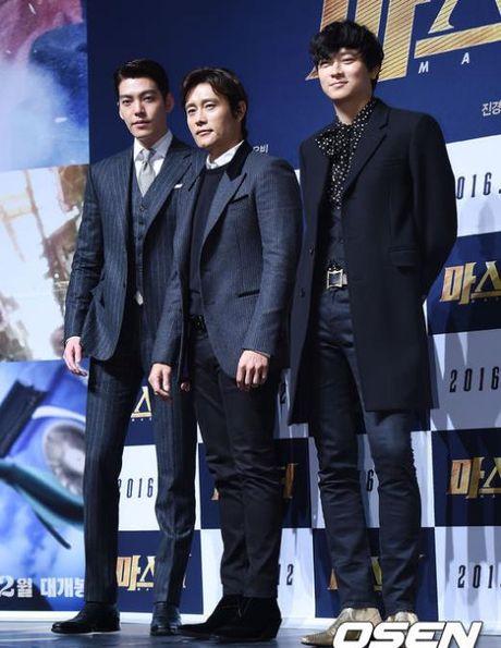 Kang Dong Won ke chuyen dong phim bi manh kinh cua vao co - Anh 2