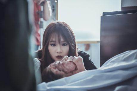 Truong Quynh Anh gay soc voi tao hinh bien dang trong 'Hinh nhan' - Anh 2