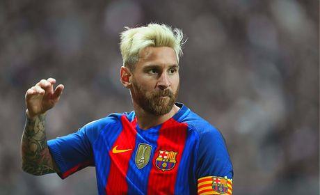 'Marca bia chuyen Messi khong gia han de tra thu' - Anh 1