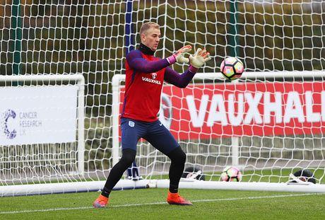 Rooney nghi tap truoc tran gap Tay Ban Nha - Anh 10