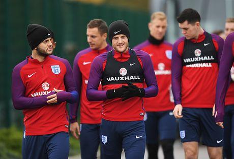 Rooney nghi tap truoc tran gap Tay Ban Nha - Anh 11