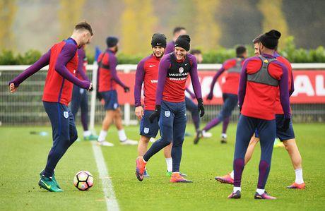 Rooney nghi tap truoc tran gap Tay Ban Nha - Anh 6