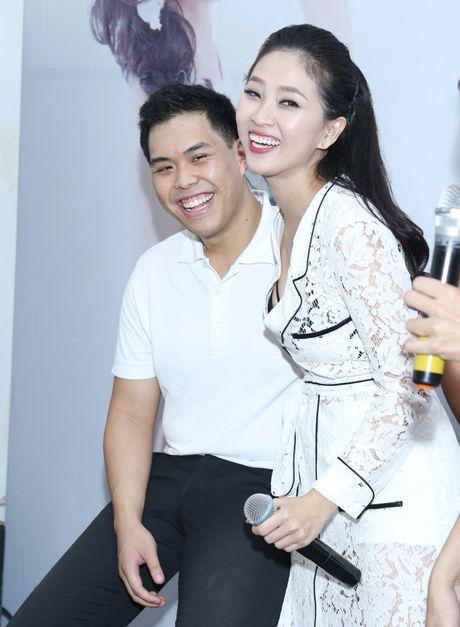 MC Lieu Ha Trinh khoe nguoi yeu trong ngay ra mat sach - Anh 2