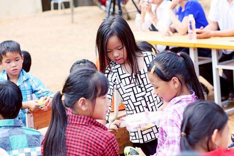 Viet Huong len vung cao lam tu thien sau live show 6 ty dong - Anh 4