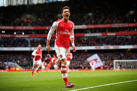 Ozil gat dau voi muc luong cao nhat Arsenal - Anh 1