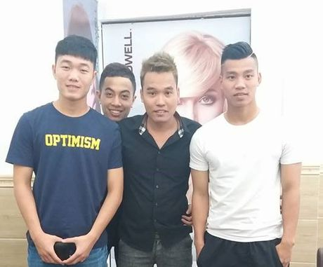 Tuyen thu Viet Nam 'xuong toc', ha quyet tam thi dau o AFF Cup - Anh 1