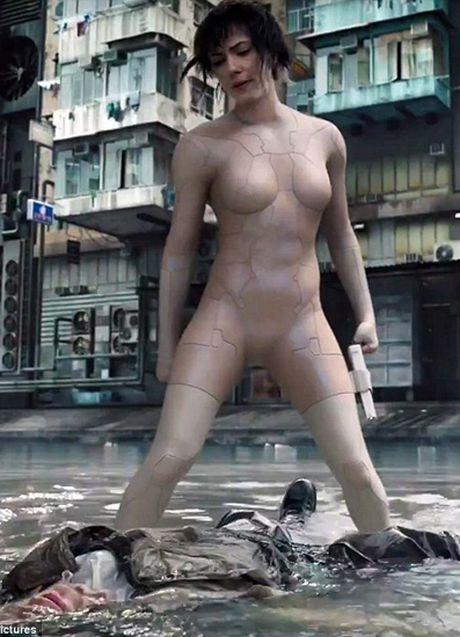 Scarlett Johansson chiu kho cuc khi dong robot sinh hoc - Anh 1
