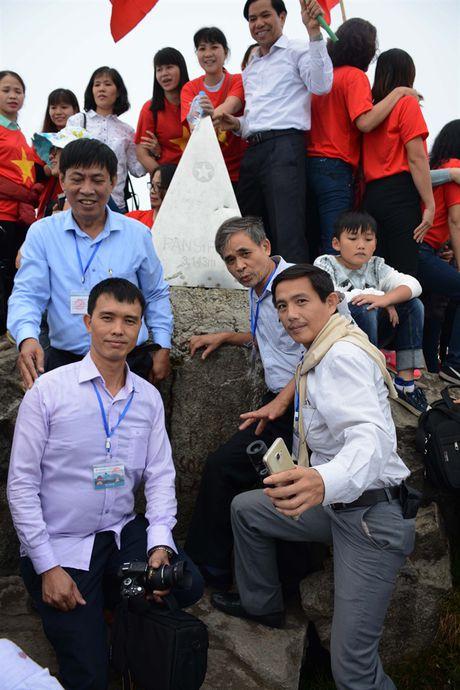 Niem khao khat chinh phuc Fansipan sau hai lan moi thanh hien thuc - Anh 10