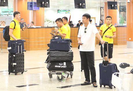 [Anh]: Tuyen Viet Nam lui buoi tap tren dat Myanmar - Anh 1