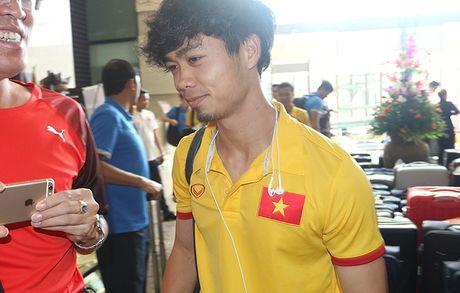 [Anh]: Tuyen Viet Nam lui buoi tap tren dat Myanmar - Anh 3