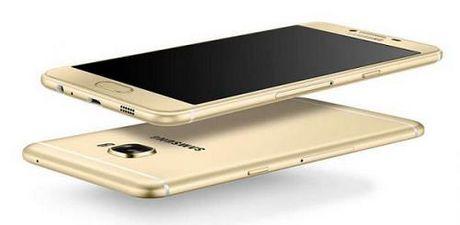Samsung Galaxy C7 xuat hien tai Hoa Ky voi gia tren 10 trieu dong - Anh 1