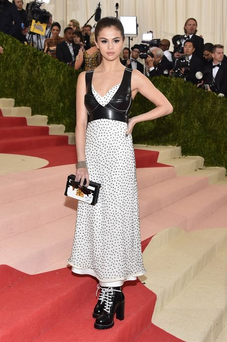 Selena Gomez - 'Nang tho' trong chien dich quang cao Series 5 cua Louis Vuitton - Anh 11