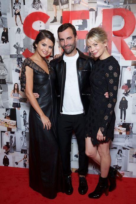 Selena Gomez - 'Nang tho' trong chien dich quang cao Series 5 cua Louis Vuitton - Anh 6