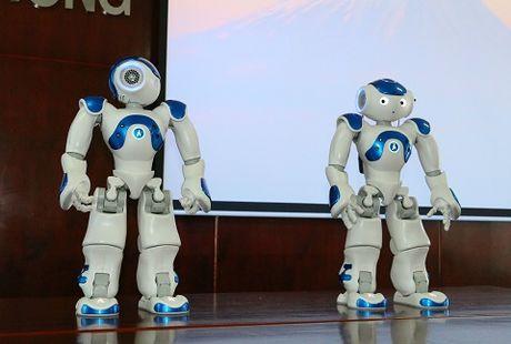 Robot co cam xuc giong con nguoi 'lam tro giang' dai hoc o Viet Nam - Anh 4