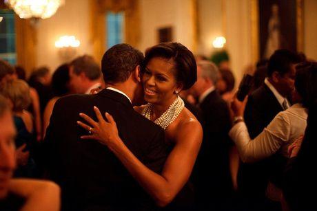 Tan chay voi nhung khoanh khac lang man cua vo chong Tong thong Obama - Anh 2