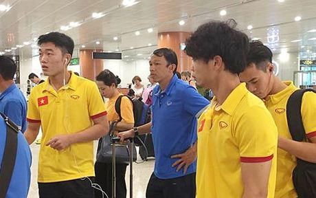 DT Viet Nam mat 1 tieng de nhap canh vao Myanmar, chuan bi cho AFF Cup - Anh 1