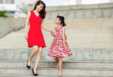 Con gai Truong Ngoc Anh – Tran Bao Son cang lon cang xinh dep - Anh 14