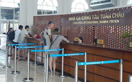 Quang Ninh dung ban ve tham quan bo sung tren Vinh Ha Long - Anh 1