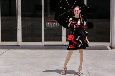 Minh Hang so huu tu do hieu dang cap nhu mot fashionista - Anh 12