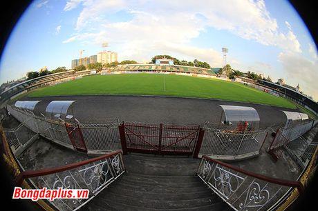 Cong Phuong bi HLV Huu Thang phat vi da hong penalty - Anh 4