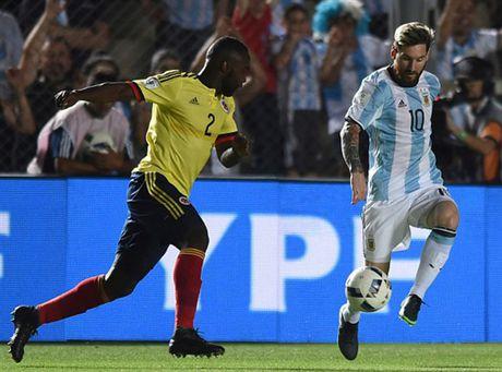 Messi no sung, Argentina tam thoi vuot kho - Anh 2