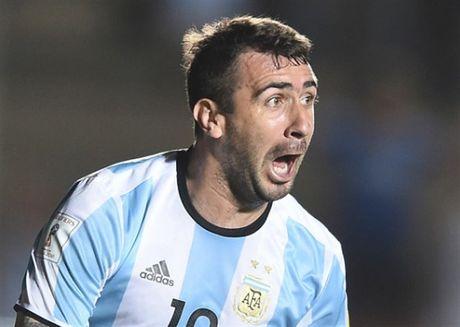 Messi no sung, Argentina tam thoi vuot kho - Anh 5