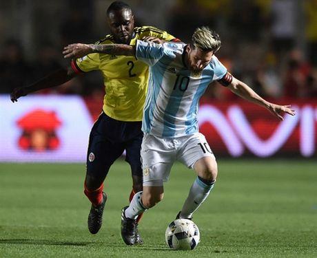 3 diem nhan sau tran Argentina 3-0 Colombia: Ca the gioi goi ten Messi - Anh 1