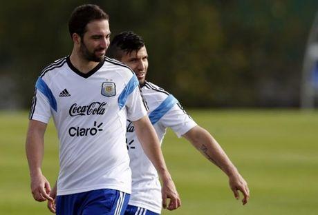 3 diem nhan sau tran Argentina 3-0 Colombia: Ca the gioi goi ten Messi - Anh 2