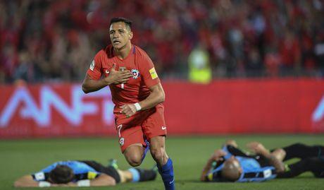 Diem tin chieu 16/11: Sanchez vao lich su Chile, Vidal quyet bam tru Barca - Anh 1